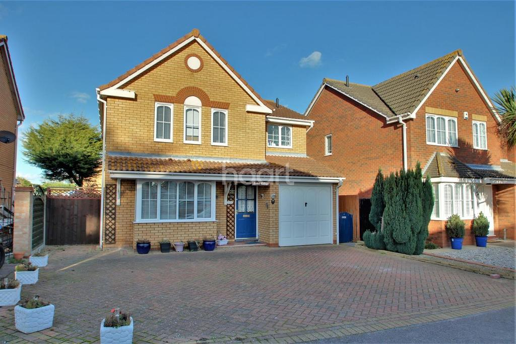 4 Bedrooms Detached House for sale in Kings Park