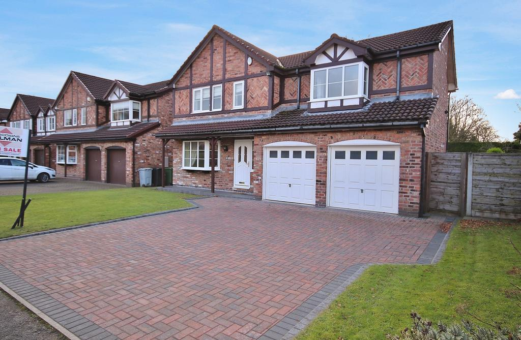 5 Bedrooms Detached House for sale in Thistlewood Drive, Wilmslow