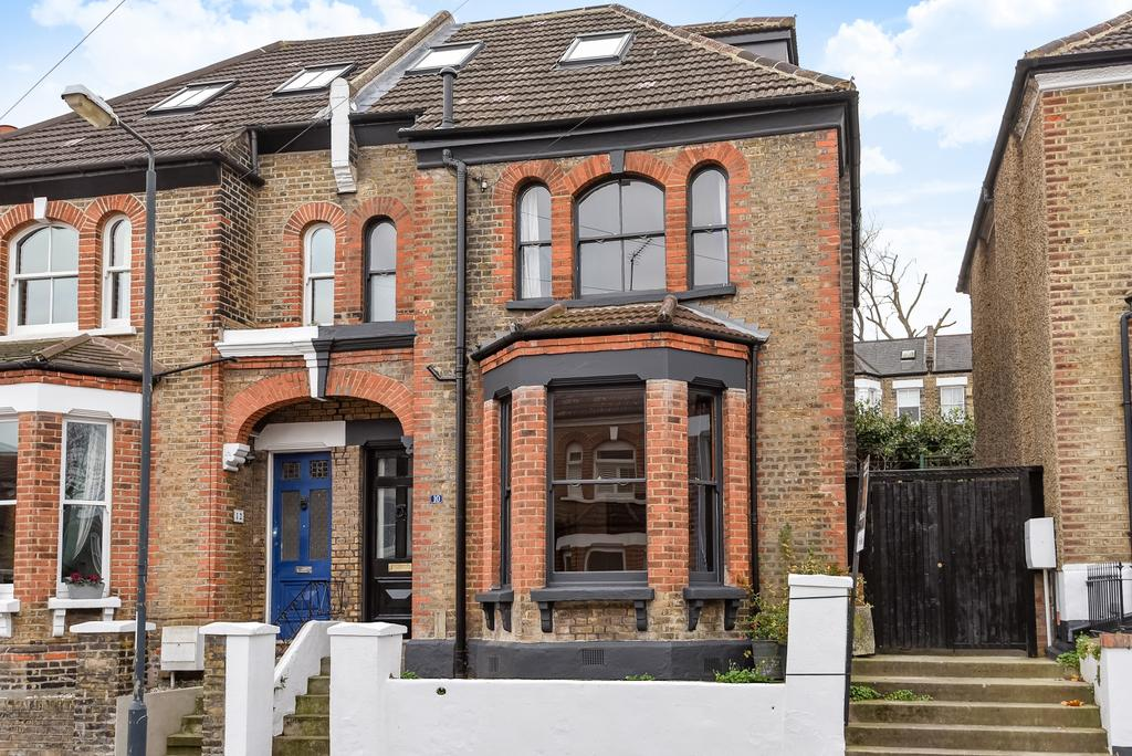 5 Bedrooms Semi Detached House for sale in Dinsdale Road London SE3