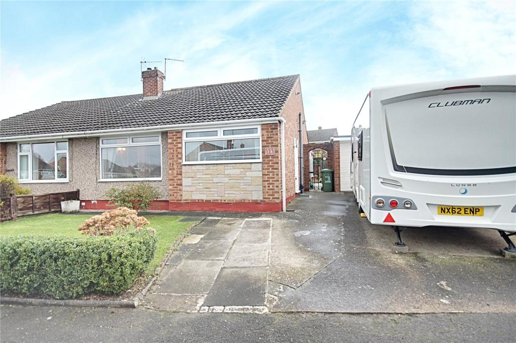 3 Bedrooms Detached Bungalow for sale in Oakfield Close, Eaglescliffe