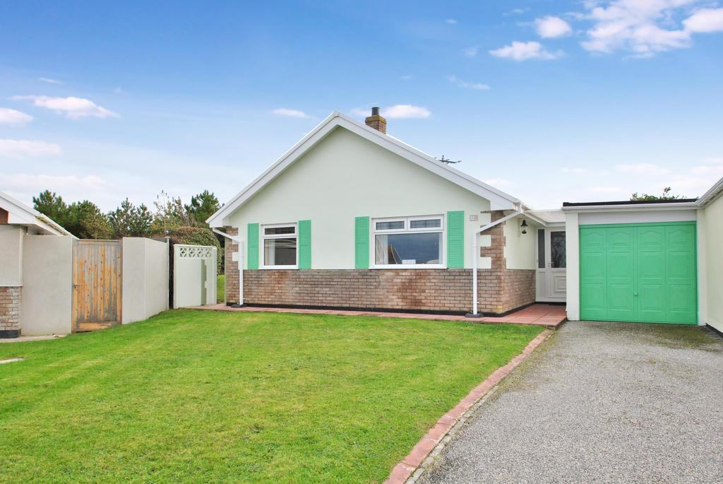 3 Bedrooms Detached Bungalow for sale in Wheal Golden Drive, Holywell Bay