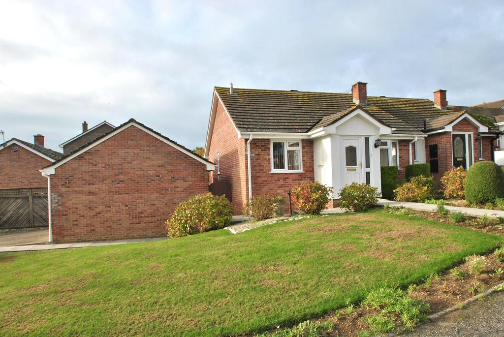 2 Bedrooms Detached Bungalow for sale in Penmere Drive, Newquay