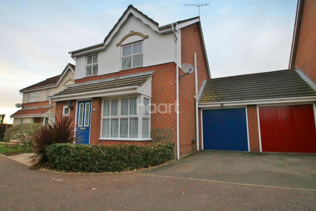 3 Bedrooms Detached House for sale in Larke Rise, Southend on Sea
