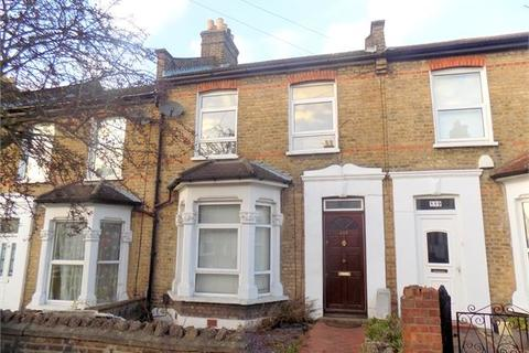3 bedroom terraced house to rent - Glenfarg Road, Catford , London, SE6 1XW