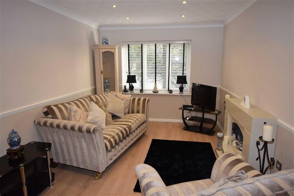 1 Bedroom Retirement Property for sale in Woodhey Court, Sale, M33