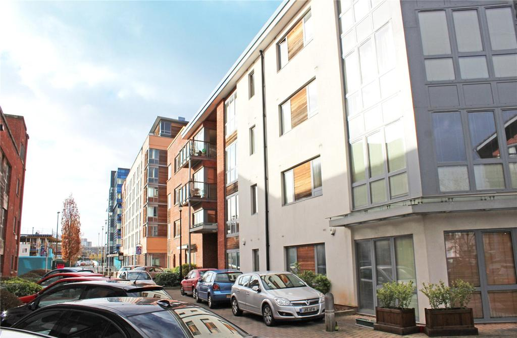 1 Bedroom Apartment Flat for sale in Ratcliffe Court, Chimney Steps, Bristol, BS2