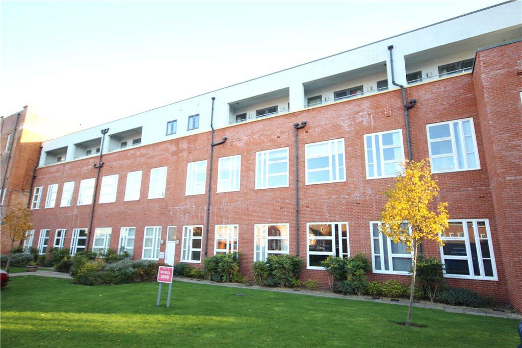 2 Bedrooms Apartment Flat for rent in Cinderella Court, Watery Lane, Worcester, Worcestershire, WR2