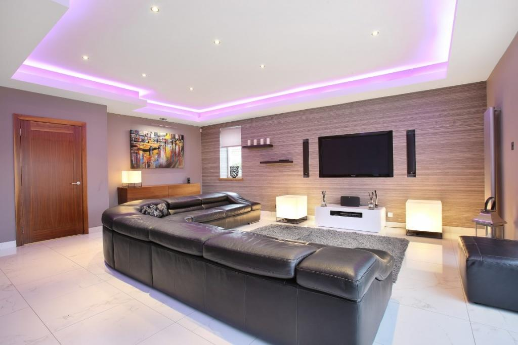 4 Bedrooms Detached House for sale in 15 Sutherland Drive, Giffnock, G46 6PL