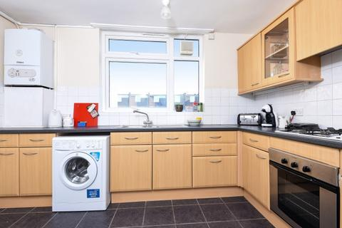 2 bedroom flat to rent - Carminia Road Tooting Bec SW17