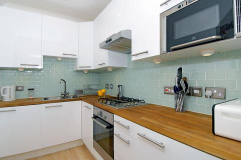 2 bedroom flat to rent - Salford Road Telford Park SW2