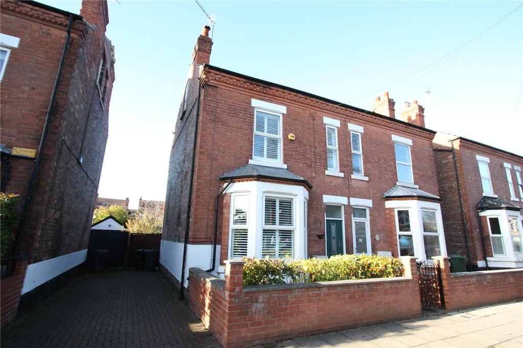 3 Bedrooms Semi Detached House for sale in Byron Road, West Bridgford, Nottingham, NG2