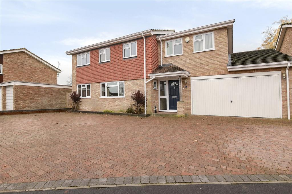 5 Bedrooms Detached House for sale in Iris Close, Kempshott, Basingstoke, Hampshire, RG22