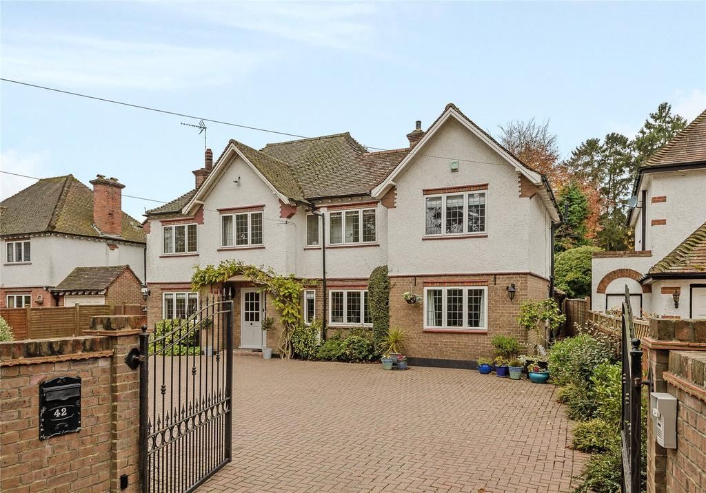 5 Bedrooms Detached House for sale in Fulmer Road, Gerrards Cross, Buckinghamshire