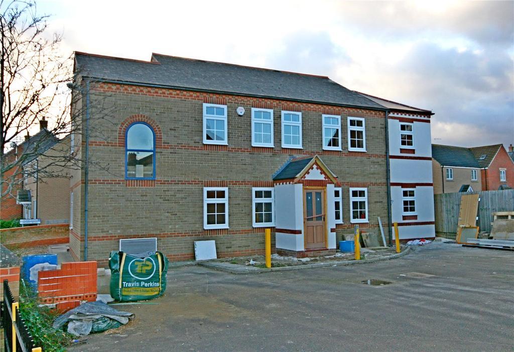 2 Bedrooms Maisonette Flat for sale in Stroud Close, Bourne, PE10