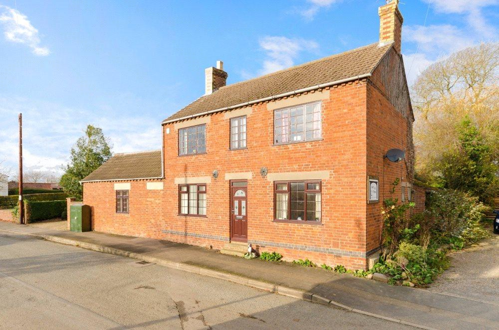 5 Bedrooms Detached House for sale in Main Road, Dyke, Bourne, PE10