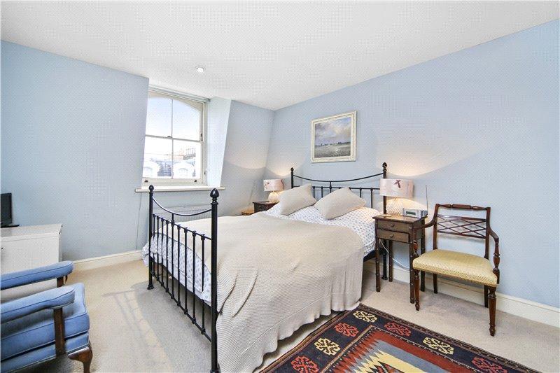 2 Bedrooms Flat for sale in Clanricarde Gardens, London, W2
