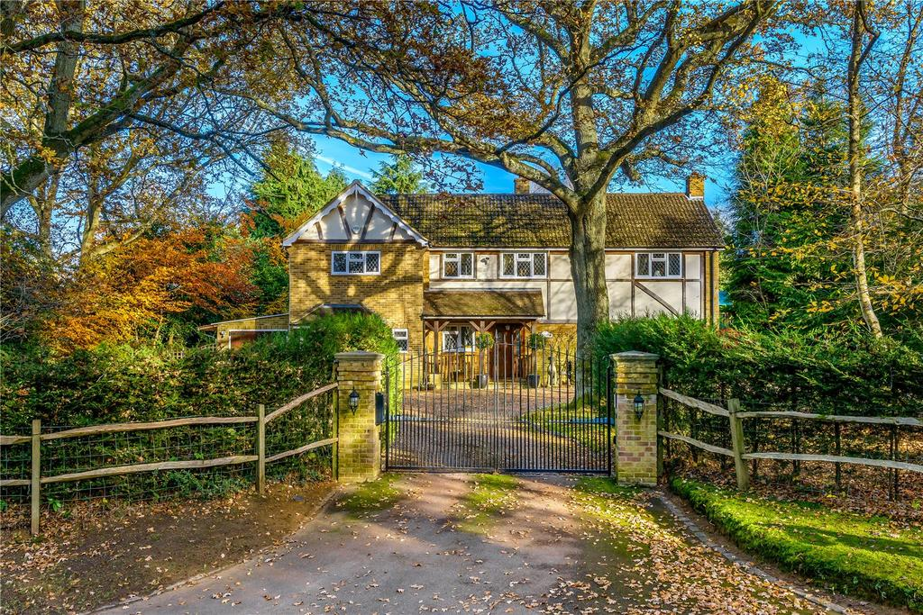 4 Bedrooms Detached House for sale in Binton Lane, Seale, Farnham, Surrey