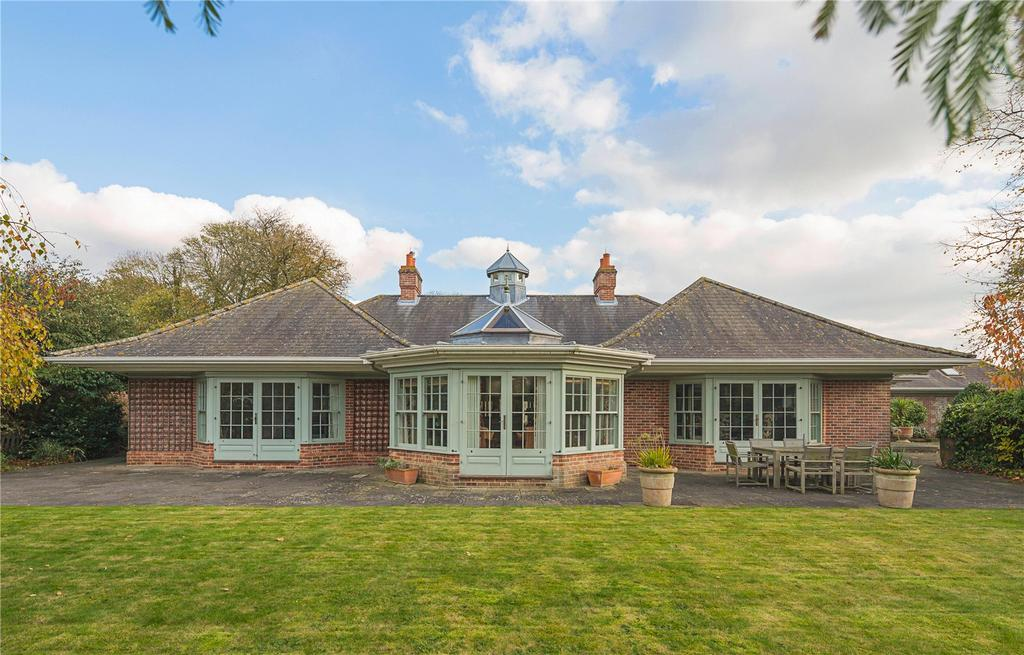4 Bedrooms Detached Bungalow for sale in Nine Chimneys Lane, Balsham, Cambridge, CB21
