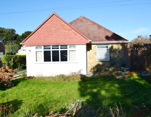 2 Bedrooms Detached Bungalow for sale in Beehive Lane, Ferring, West Sussex, BN12 5NR