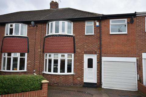 4 bedroom semi-detached house for sale - Marina Avenue, Fulwell