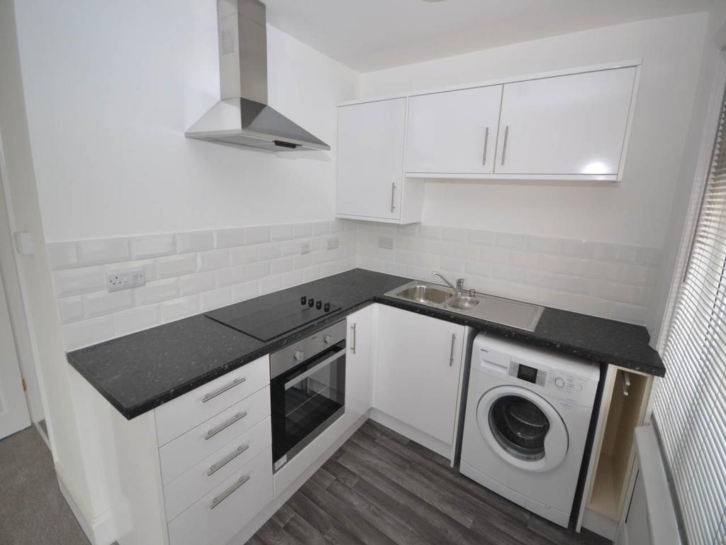 1 Bedroom Flat for rent in Wimborne Road, Kinson, Bournemouth