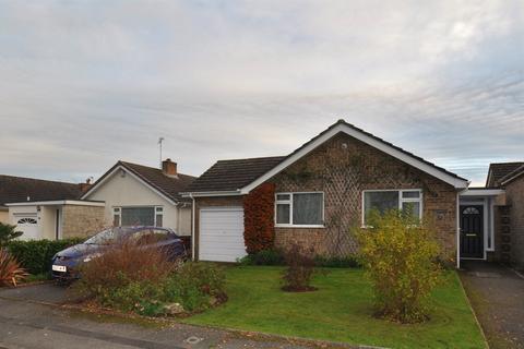 3 bedroom detached house to rent - Rosamund Avenue, Merley, Wimborne