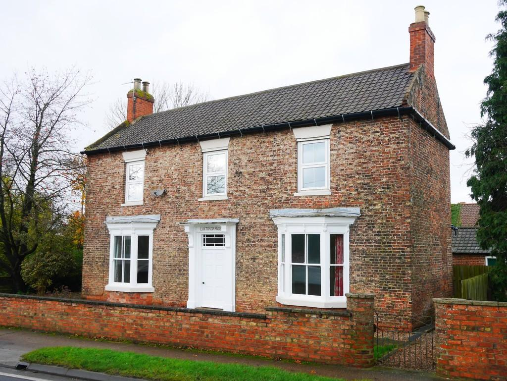 5 Bedrooms Farm House Character Property for rent in Main Road Gilberdyke