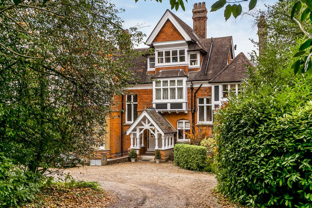 2 Bedrooms Apartment Flat for sale in Broadwater Down, Tunbridge Wells