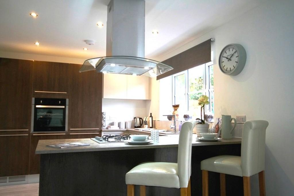 4 Bedrooms Detached House for sale in Gutterscroft, Haslington
