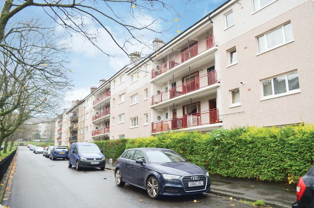 2 Bedrooms Flat for sale in Banchory Avenue, Eastwood, Glasgow, G43 1EX