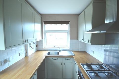 3 bedroom semi-detached house to rent - Nurstead Road,  Erith, DA8