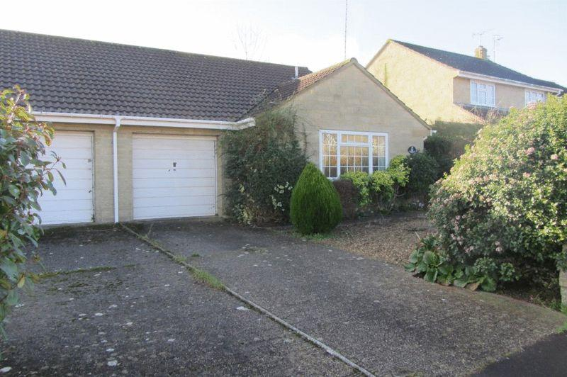 2 Bedrooms Semi Detached Bungalow for sale in Packers Way, Crewkerne