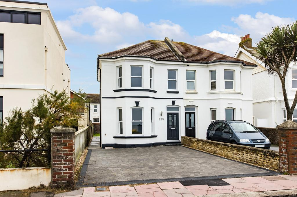 4 Bedrooms Semi Detached House for sale in Brighton Road, Worthing