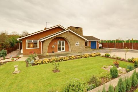 2 bedroom detached bungalow for sale - Sluice Road, South Ferriby