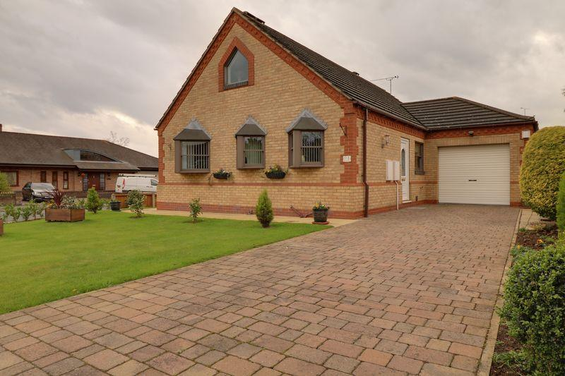 3 Bedrooms Detached Bungalow for sale in Clematis Way, Scunthorpe