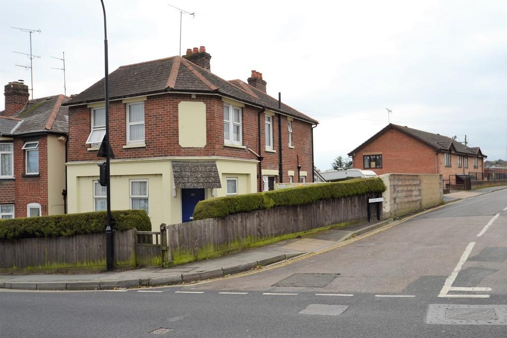 4 Bedrooms Detached House for sale in St. Johns Road, Ryde