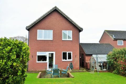 4 bedroom detached house for sale - Loddon