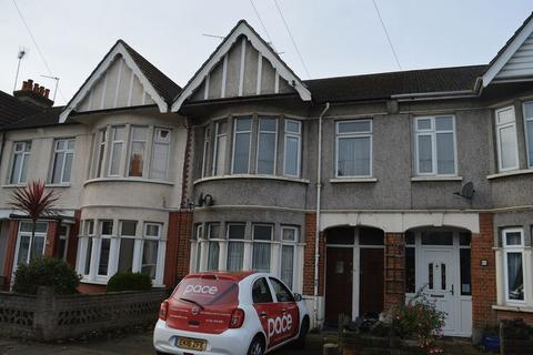 2 bedroom flat to rent - Bournemouth Park Road, Southend-On-Sea