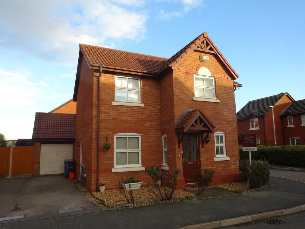 3 Bedrooms Detached House for sale in Maes Y Gog, Rhyl