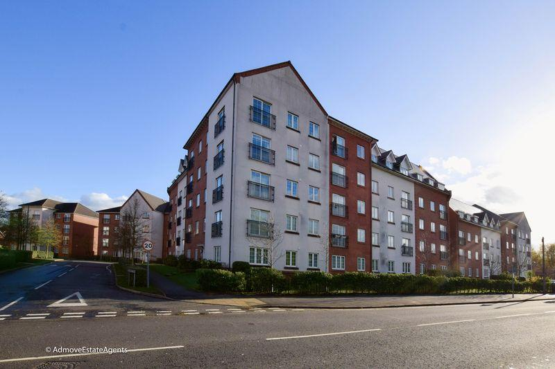 2 Bedrooms Apartment Flat for sale in Greenings Court, Warrington