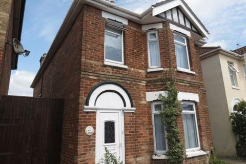 6 bedroom detached house to rent - Capstone Road