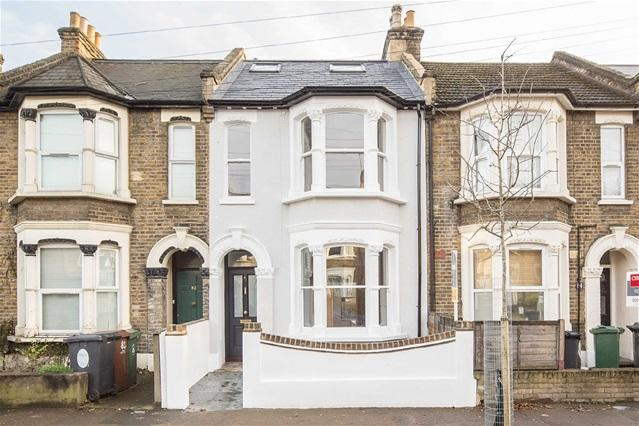 4 Bedrooms House for sale in Millais Road, Leytonstone