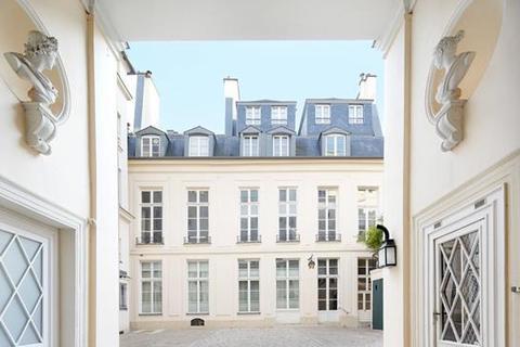 4 bedroom apartment  - Rue de Verneuil, Paris, 75007, France