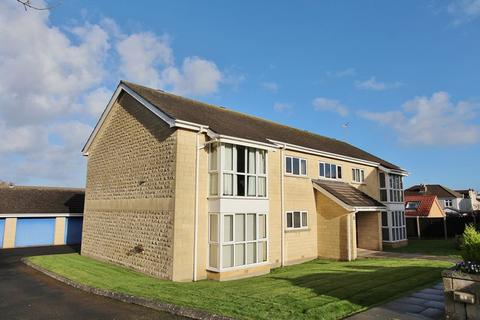 2 bedroom flat for sale - Park Close, Keynsham, Bristol