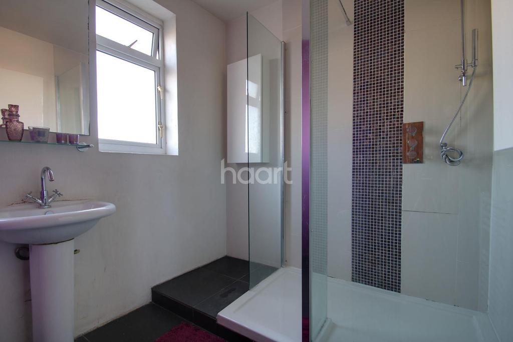 3 Bedrooms Terraced House for sale in Gardner Road, Plaistow