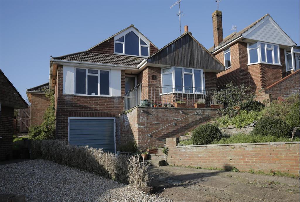 4 Bedrooms Detached Bungalow for sale in Burnham Close, Woodingdean, Brighton