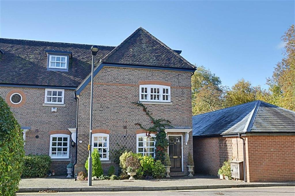 3 Bedrooms End Of Terrace House for sale in Brewhouse Lane, Hertford, Herts, SG14
