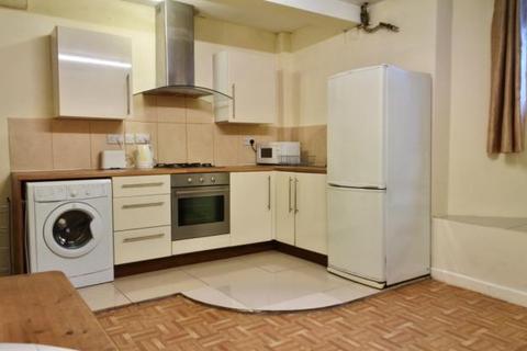 1 bedroom flat to rent - Fieldhead Road, Sheffield S8