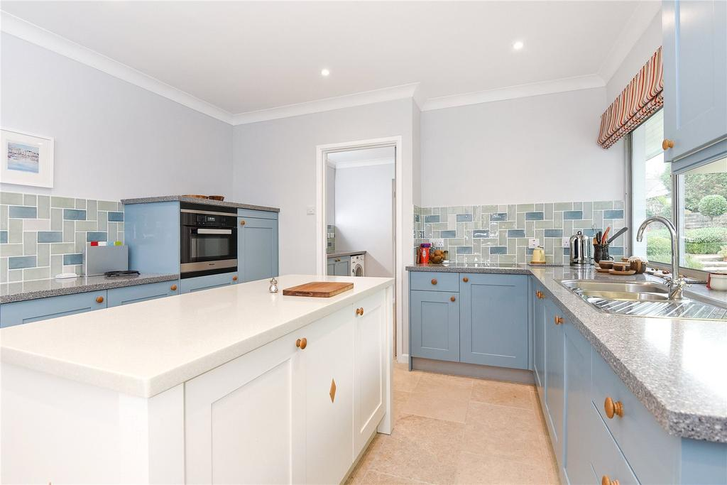 3 Bedrooms Detached Bungalow for sale in Trevilla, Feock, Truro, Cornwall, TR3