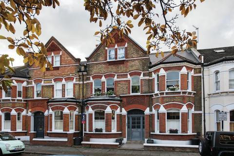 2 bedroom flat for sale - Lavender Gardens, SW11